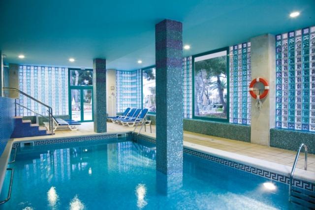 RIU Concordia - vnútorný bazén
