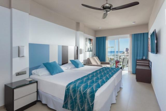 RIU Costa del Sol - dvojlôžková izba s bočným výhľadom na more