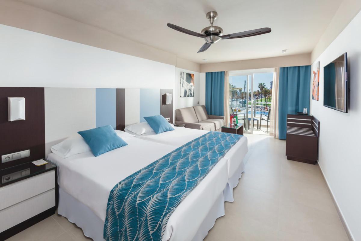 RIU Costa del Sol - veľká dvojlôžková izba s bočným výhľadom na more