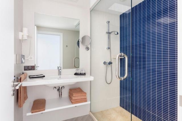 RIU Papayas - dvojlôžková izba kúpeľňa