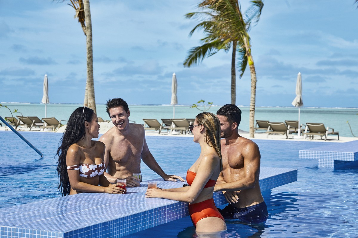 RIU Atoll -swim-up bar