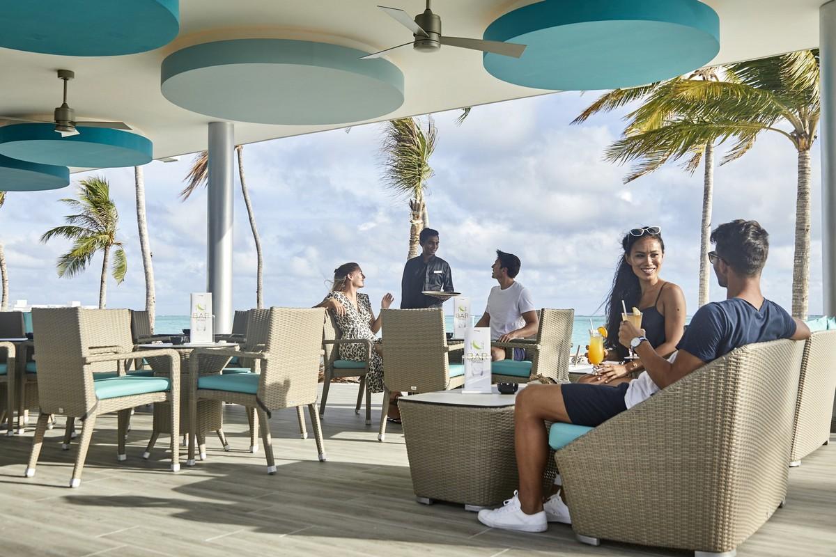 RIU Atoll - bar pri bazéne