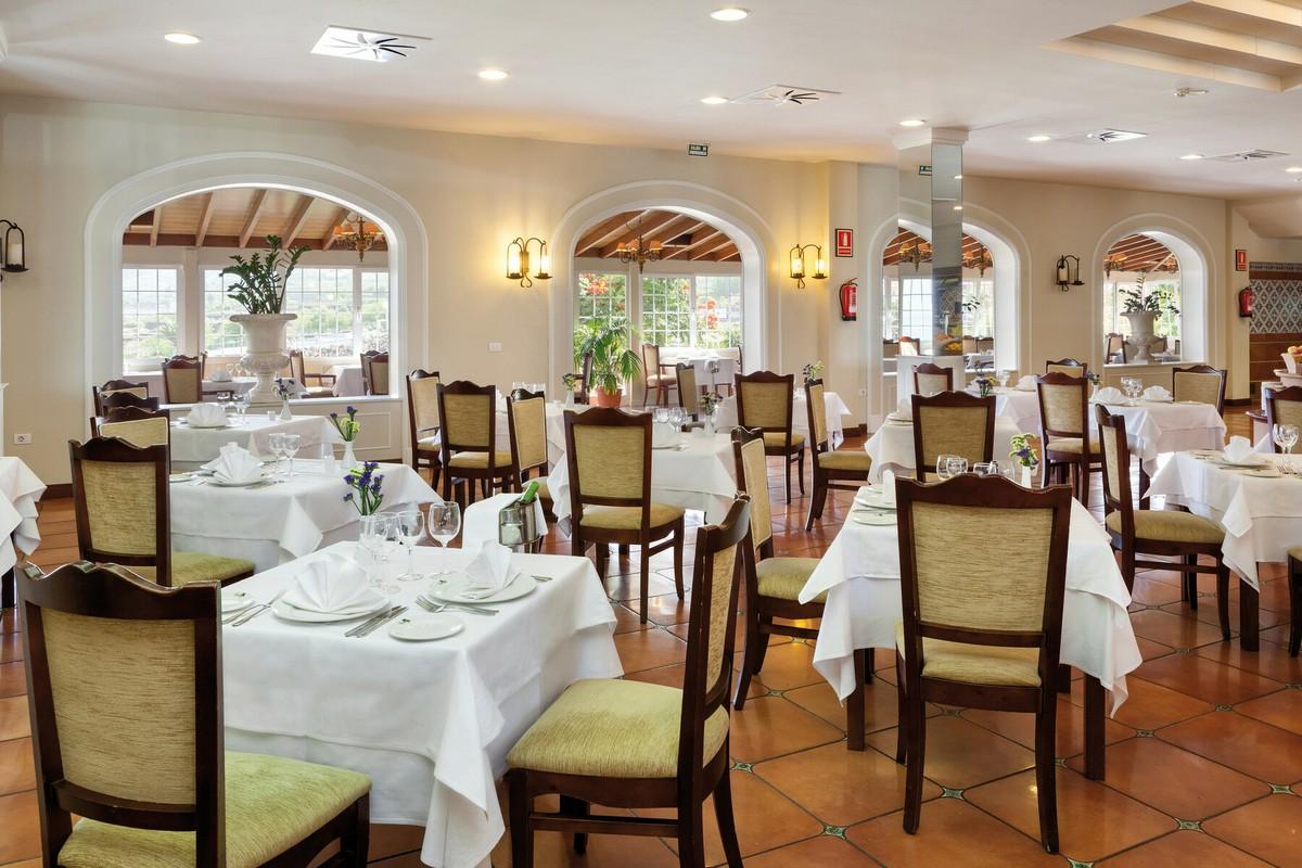 RIU Garoe - reštaurácia