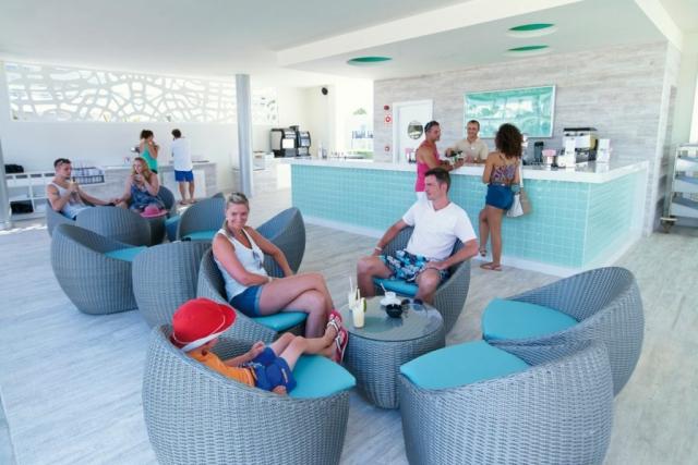 RIU Gran Canaria - bar pri bazéne Liquid