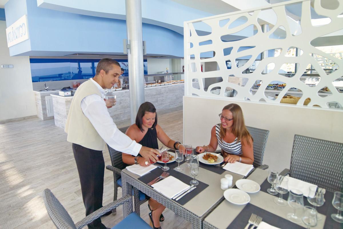RIU Gran Canaria - reštaurácia pri bazéne Atlántico