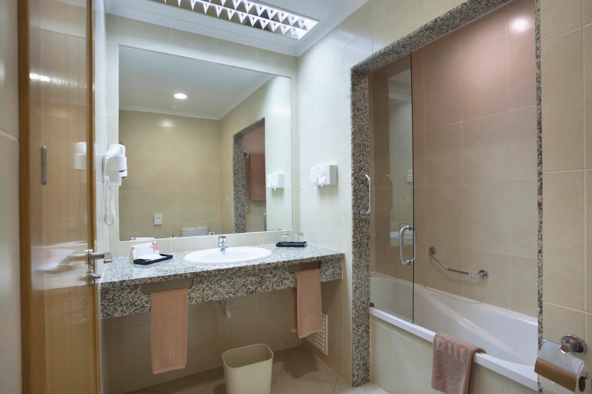 RIU Guarana - kúpeľňa, všetky typy izieb