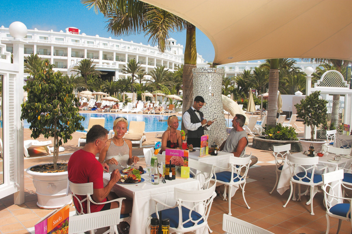RIU Palace Maspalomas - bar pri bazéne