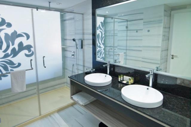RIU Palace Meloneras - dvojlôžková izba s bočným výhľadom na oceán