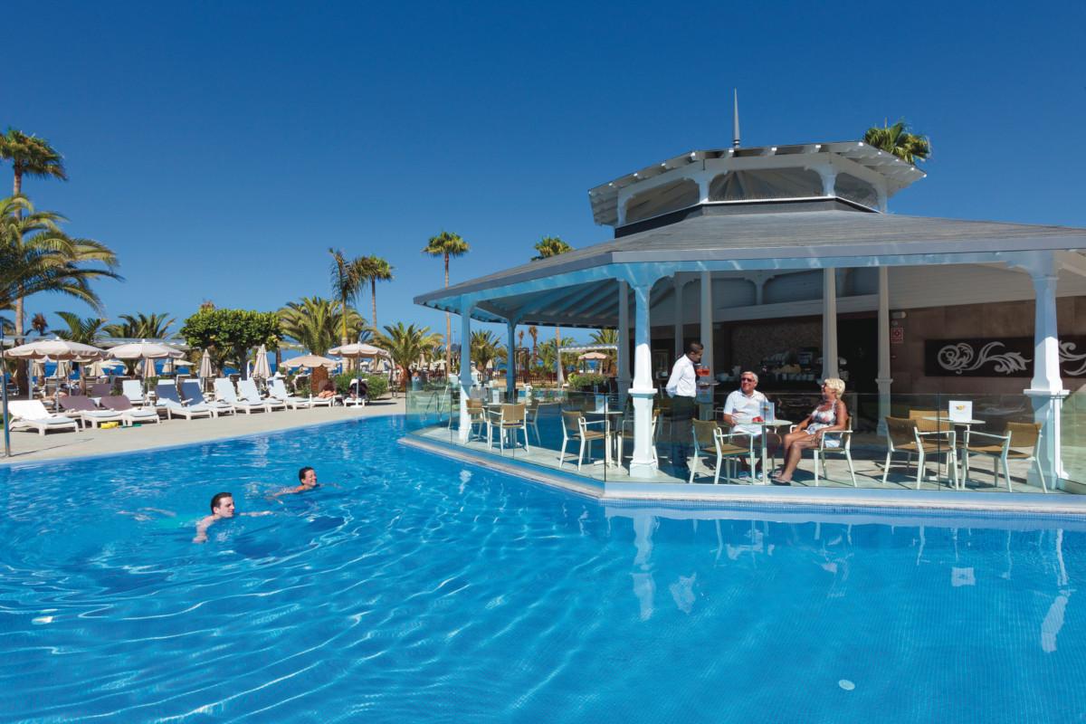 RIU Palace Tenerife - bar pri bazéne