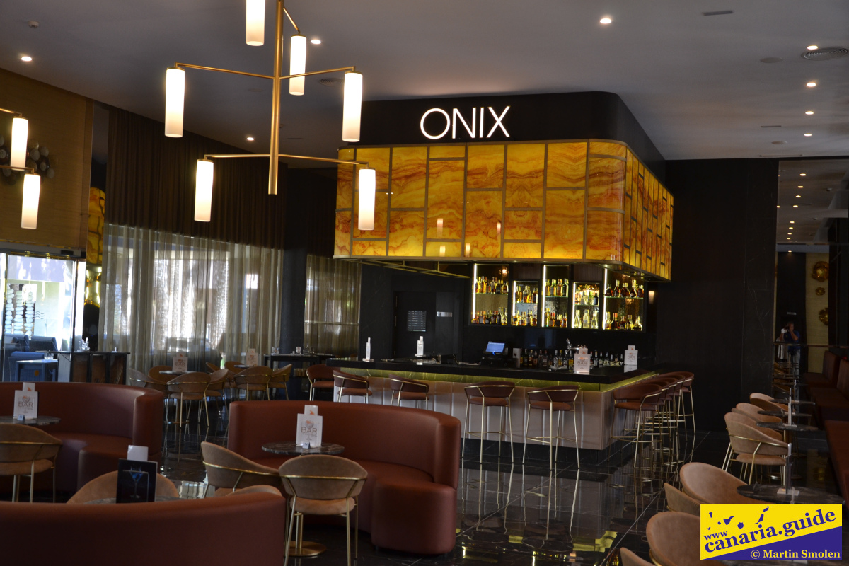 RIU Palace Oasis - Onyx lobby bar
