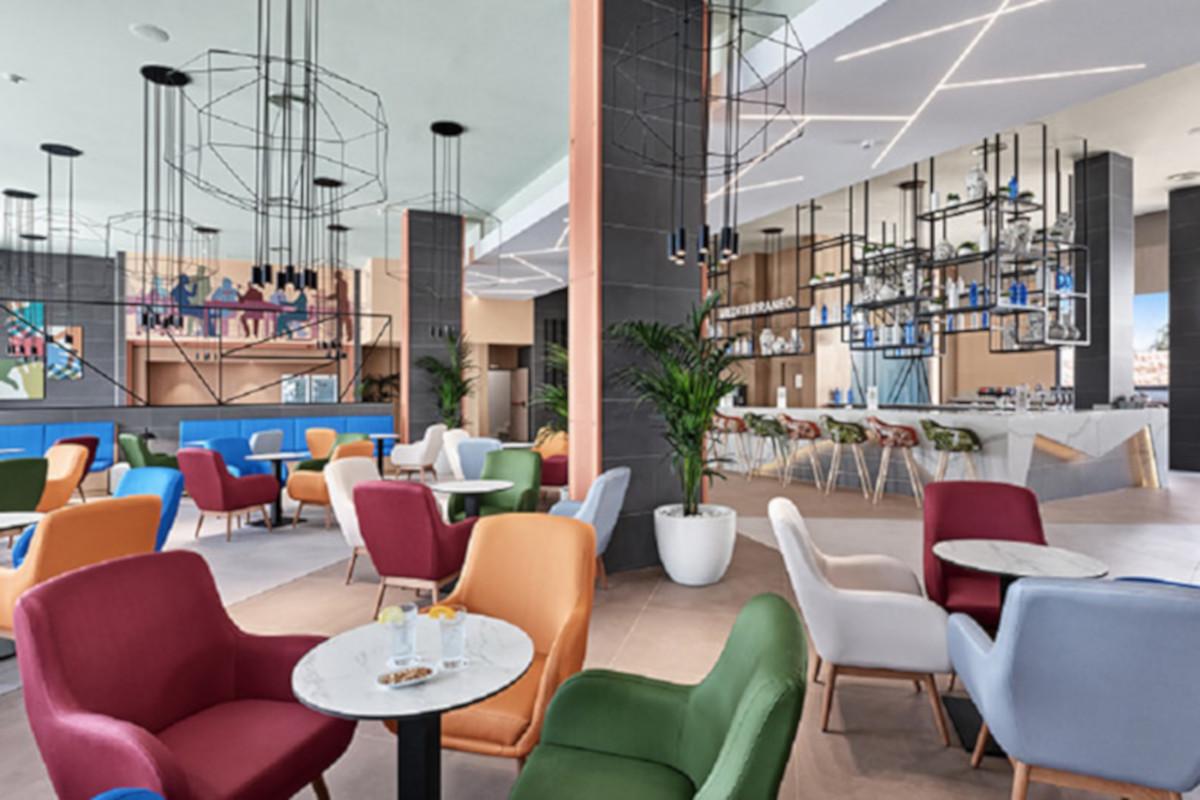 RIU Playa Park - lobby bar