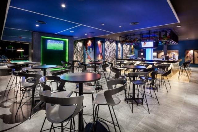 Hotel RIU Vistamar, sport bar